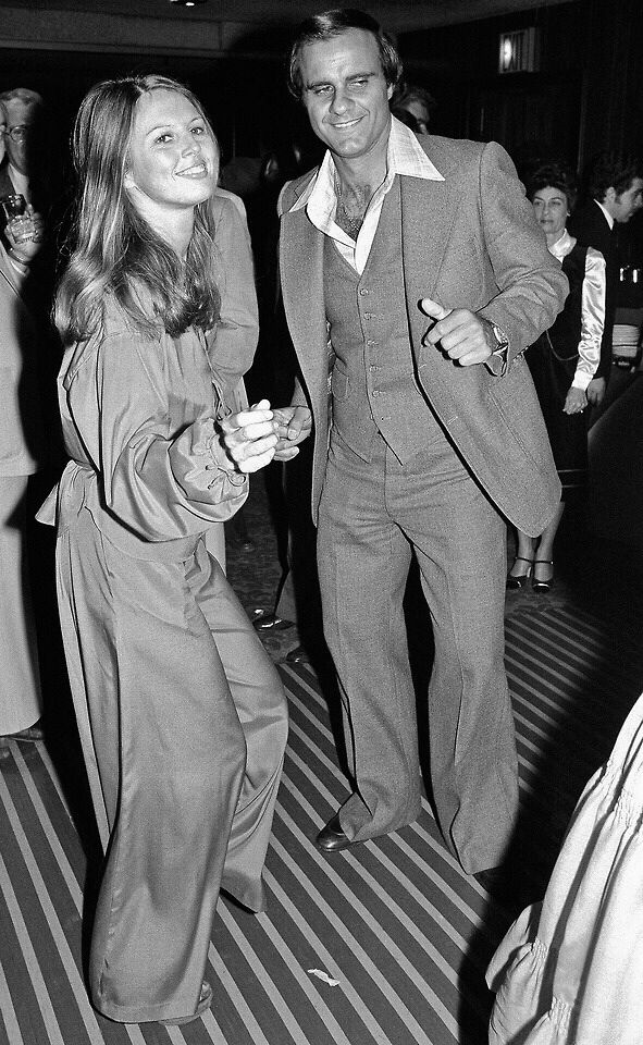 Joe Torre, a former baseball manager, disco dancing with ...