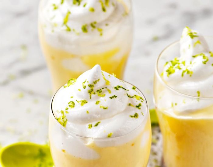 Eggetoddy med frisk smak av lime og bringebær.