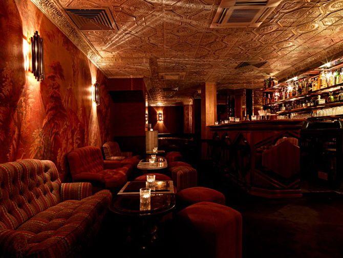 Bar caché paris ballroom du beefclub 58 rue Jean Jacques Rousseau, Paris 01, Métro Les Halles Téléphone : 09 52 52 89 34 Horaires : du lundi au dimanche de 19:00 à 05:00
