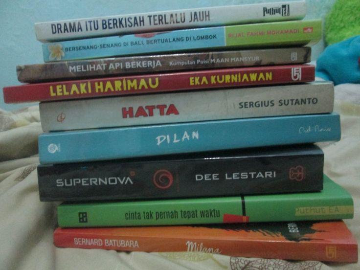 """Day#7 """"2015 Collections"""". Totally 17 buku kalok nggak salah hitung."""