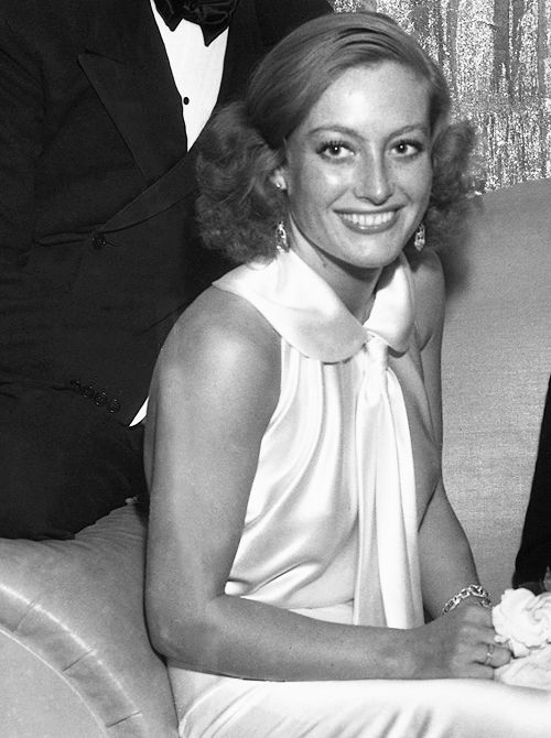 JOAN CRAWFORD | ONE OF MY FAV PICTURE OF HER.  KINDA LIKE THIS IS THE REAL HER. NOT GLAMMED UP!