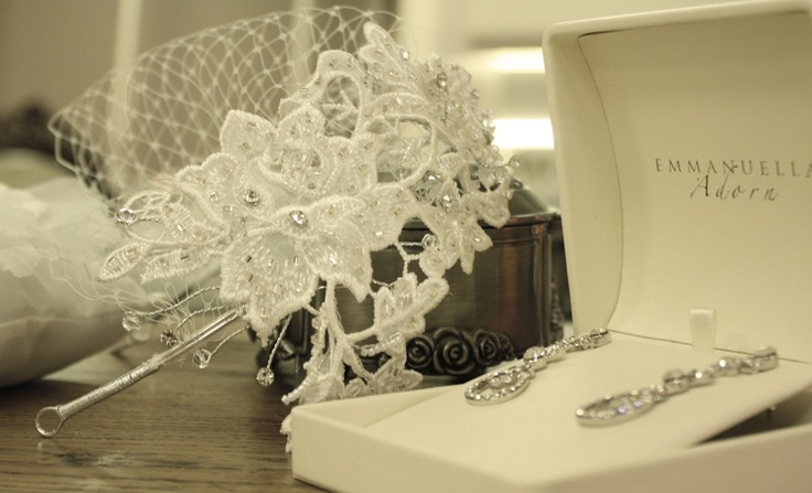 Lv H4075 guipure lace facinator with Louisa earings.  Available from Peter Trends accessory stockists.