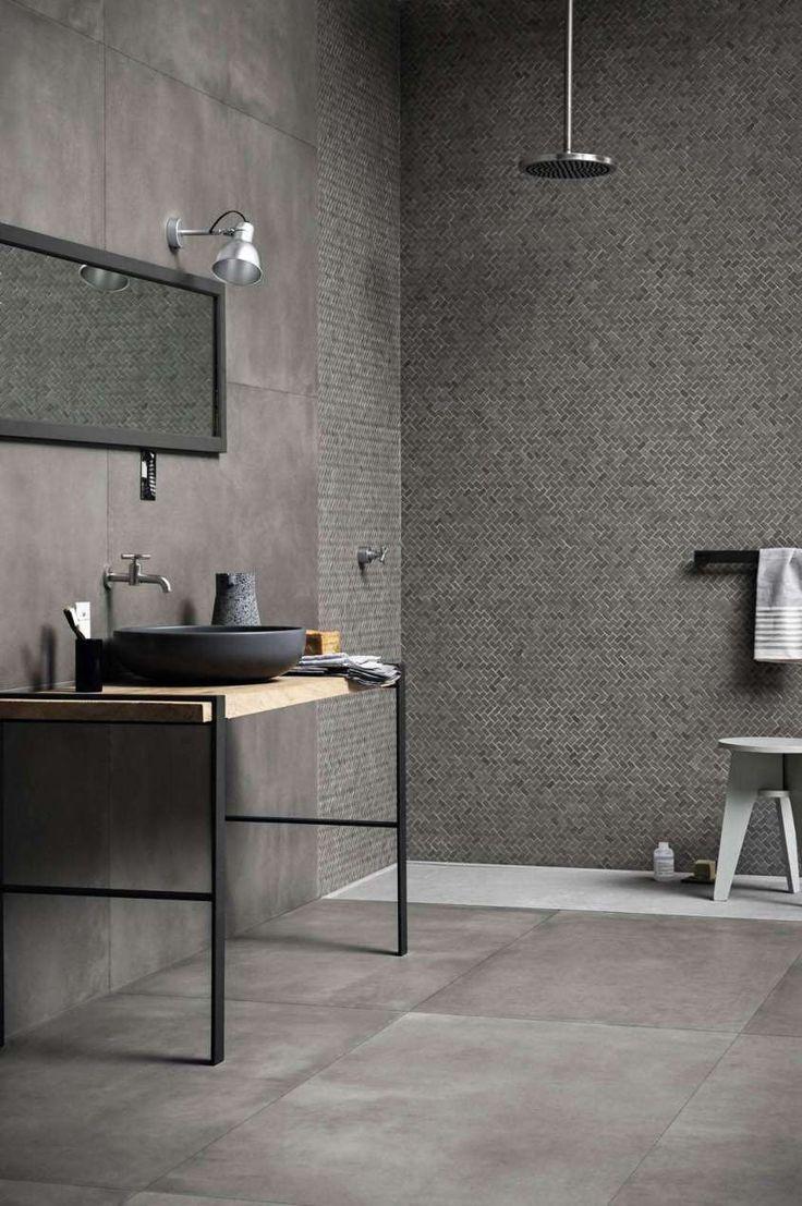tendenze bagno 2017 doccia con rivestimento a mosaico