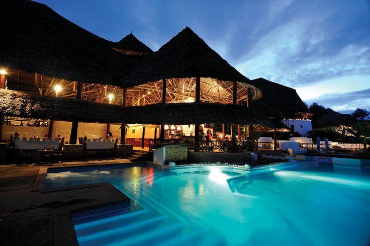 Profitez d'un safari en Tanzanie puis ressourcez vous sur la somptueuse île de…