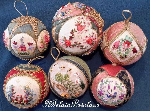 Tessuti damascati e silk ribbon per le palline dell'albero