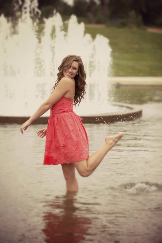 AND EVERYONE THOUGHT I WAS CRAZY! SENIOR PICTURES IN A FOUNTAIN. IT CAN BE DONE!!! I WANT IT