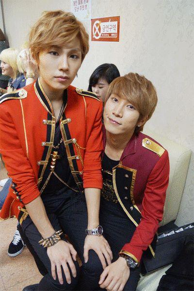 BtoB piling up on Eunkwang :3 (GIF) each members facial expressions lol