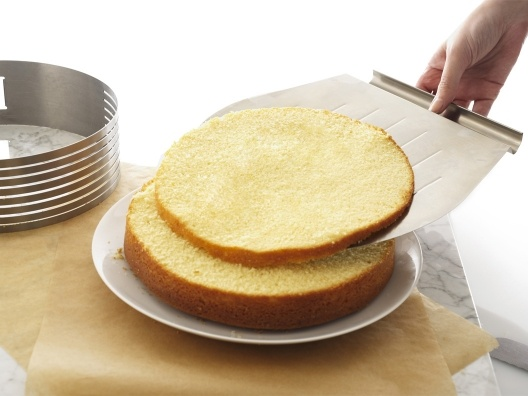 Layer Cake Slicing Kit - perfect layers every time!: Layered Cakes, Cooking Gadgets, Cakes Slices, Cakes Slicer, Kitchens Ideas, Perfect Slices, Kitchens Gadgets, Slices Layered, Slices Kits