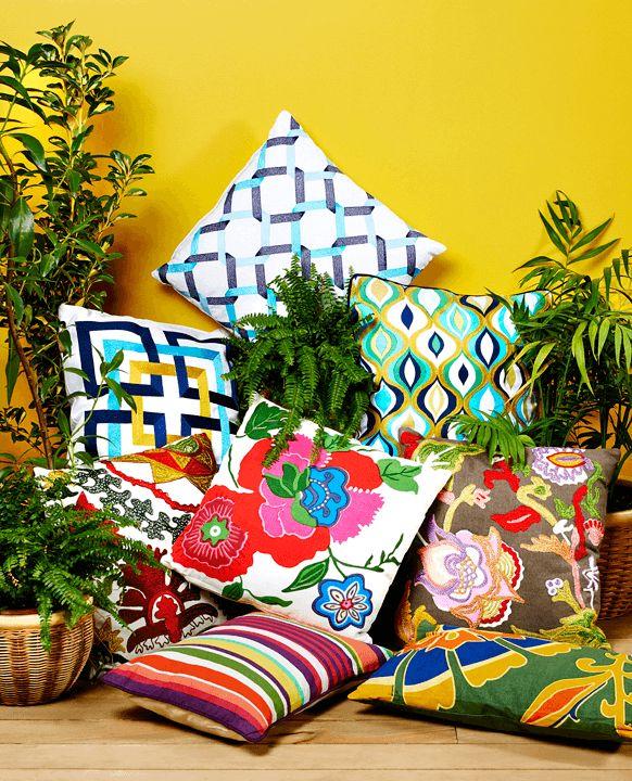 Los colores de la primavera ya están en los cojines de Easy. Ven por los tuyos y vive mejor esta temporada.   #Primavera #Deco #Terraza #EasyTienda #TiendaEasy #Accesorios #Colores #Cojines #primaveraverano #cambiavivemejor