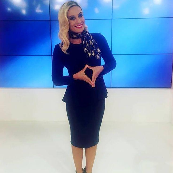 H Eleonora Meleti @ πάντα κομψή με φουλάρι #Doca!