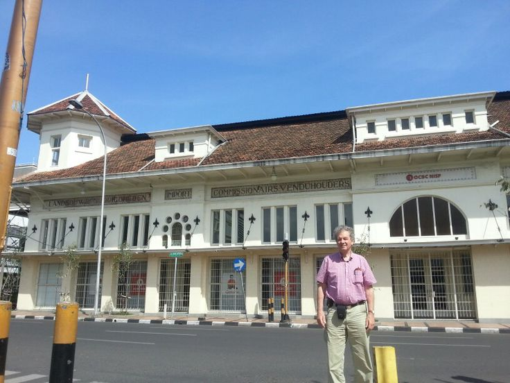 Mr Ebbe Rost van Tonningen from pum.nl see heritage building at Sudirman st in front of KAA Museum