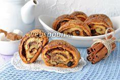 Как приготовить творожное печенье Ругелах  Ругелах — творожное печенье в виде рулетиков, которое относится к традиционной еврейской кухне. Пекут такое печенье традиционно на праздник Хануки.   Ругелах являют собой мини-рулетики из творожного теста. На тесто наносится густое варенье или джем, а сверху — орехи и сухофрукты.  Джем или варенье  вы можете выбирать по своему желанию. Главное, чтобы оно было не слишком жидким и не вытекло при выпекании. Вкусное хрустящее тесто и много начинки —…