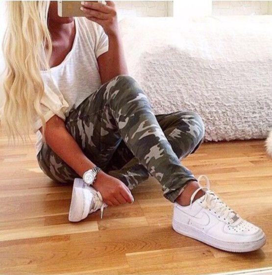 Купить товарНовый 2016 летом мода женские брюки женские свободного покроя военные жесткие упругие высокой талии камуфляжные штаны женщин h392 в категории Брюки и каприна AliExpress.    Размер  Талия  Бедра  Длинные брюки    S  65    76    91      М  69    80    93      L  73    84    95      XL  77