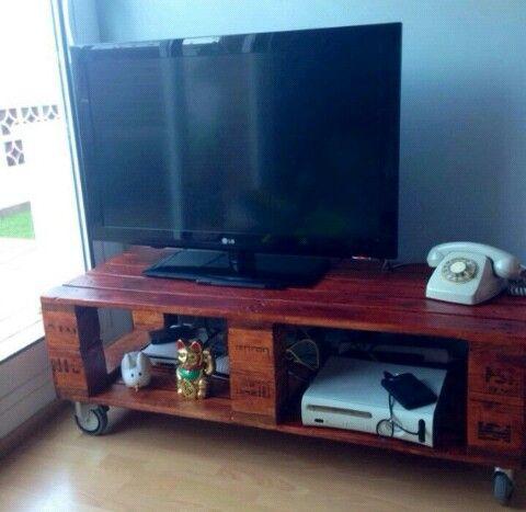 mesa de palets perfecta para la tv