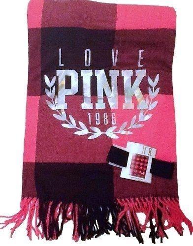 Beautiful Victoria's Secret PINK Beach Blanket #SummerReads and #PenguinTeen