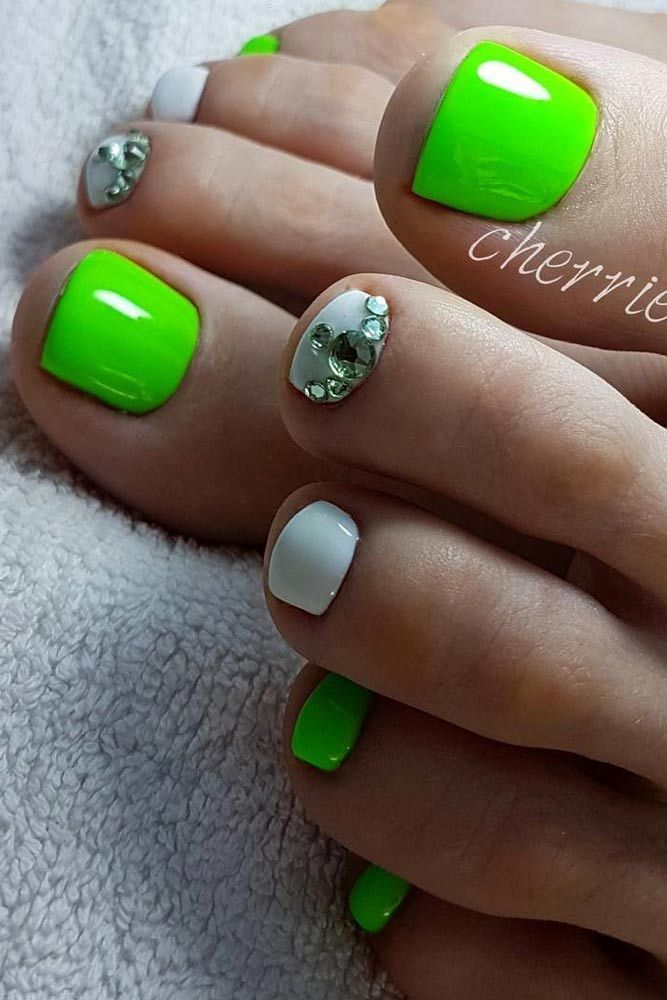 Best 25+ Green Toe Nails Ideas Only On Pinterest