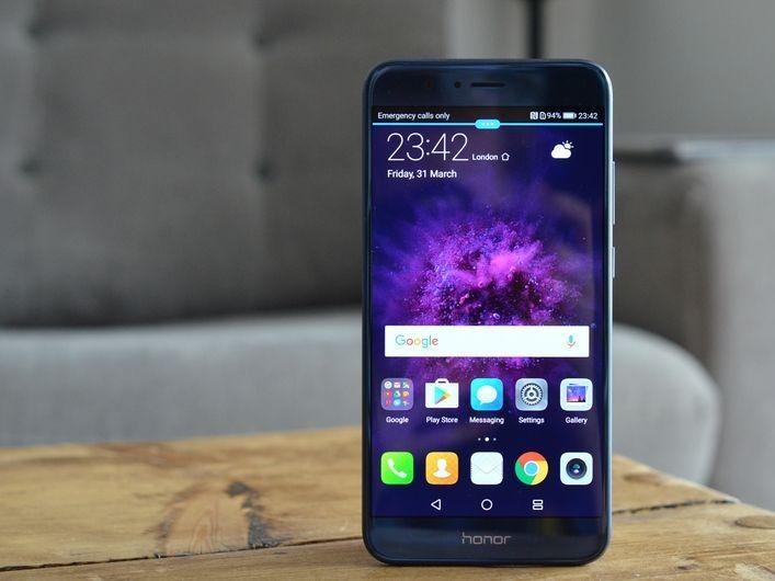 Huawei, Honor 8 Pro telefon modelinin tanıtımını yaptı - https://teknoformat.com/honor-8-huawei-p10un-daha-guclu-ozelliklerini-daha-dusuk-fiyata-sunan-modeli-12385