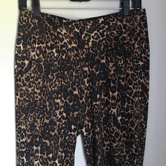 SERENA WILLIAMS TUMMY FLATTENING PANTS NWT Meow. Zipper detail on legs, pull up pants, figure flattering. Serena Williams designer Serena Williams Pants Skinny