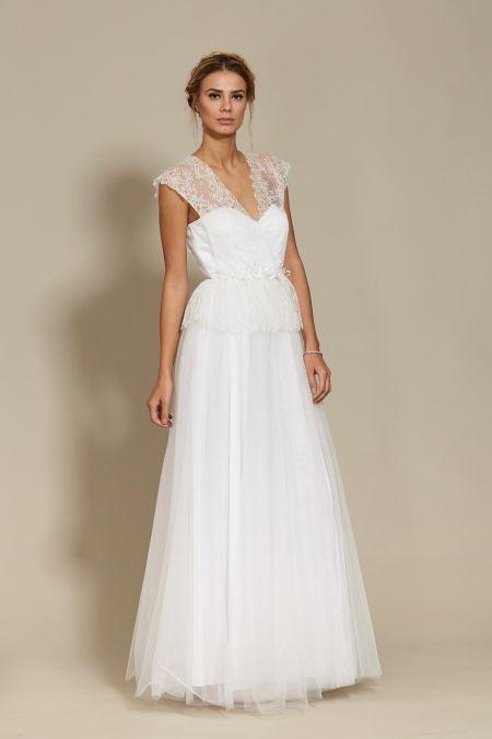 Carolina Dress Bridal 2018 Oana Nutu Fashion Designer Wedding Dress Wedding Gown www.OanaNutu.com  #fashion #style #shopping #oananutu #Bridal #BridalDress #WeddingDress #Bride #FashionDesigner #Wedding