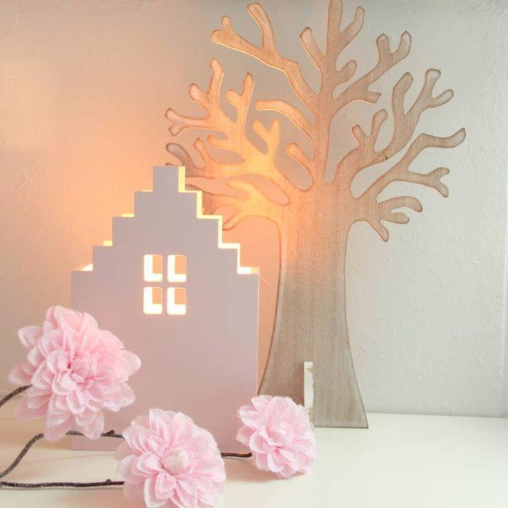 lamp kun je zowel ophangen als neerzetten. Keuze uit schuin dak ...