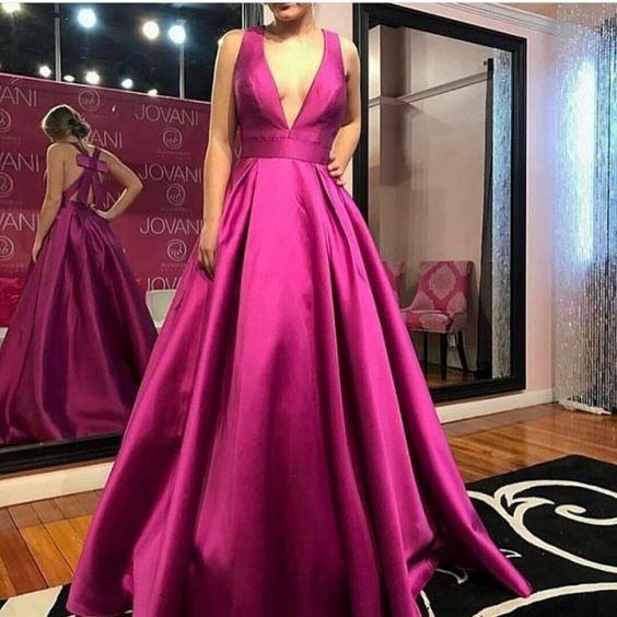 vestido de festa magenta ou roxo