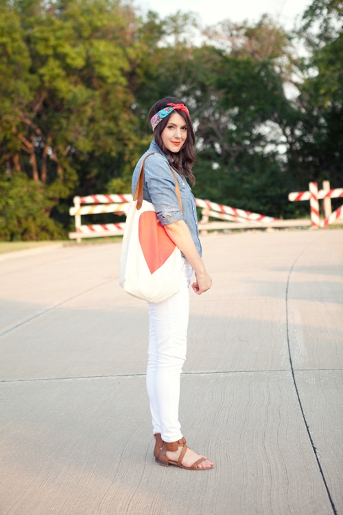 Kendi is looking awesome in this perfect chambray top and white denim! Loving her organic tote too!Style, Kendieveryday, Headscarf, Head Scarf