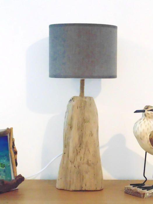 17 meilleures id es propos de lampe en bois flott sur pinterest lampe corde lampes en. Black Bedroom Furniture Sets. Home Design Ideas