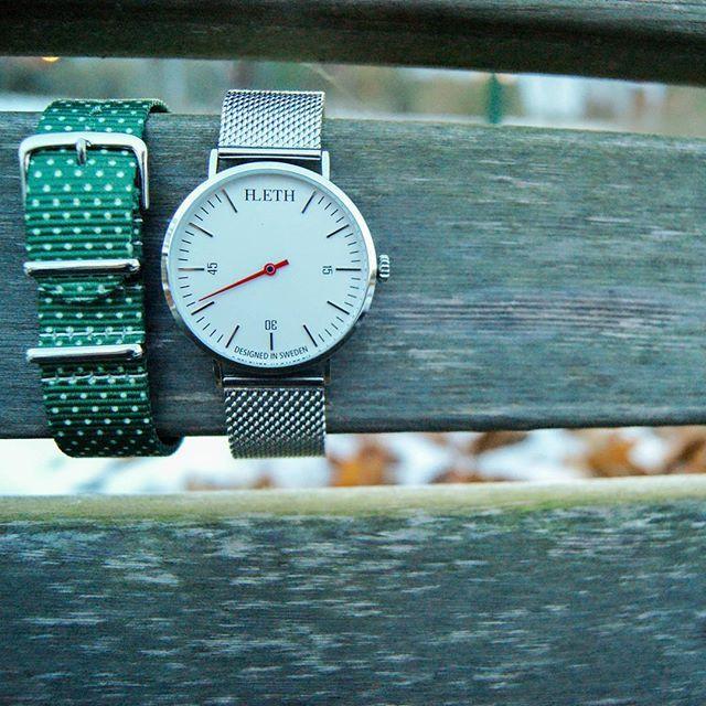 köp en klocka och få ett band på köpet. Rabattkod: Lansering  #ALeth #UNKNOWN  lethwatches.com