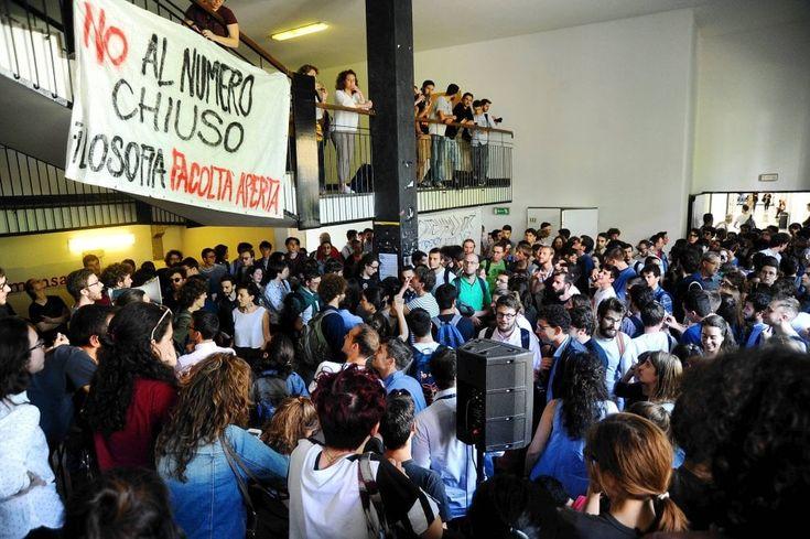 Milano, due giorni di mobilitazione degli studenti della Statale contro il numero chiuso