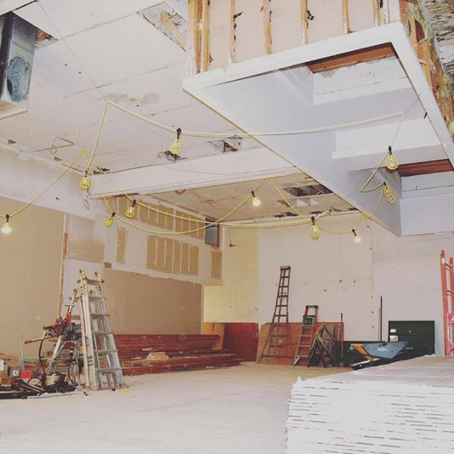 This is #PantryOlympia before any construction. The city permit was just approved and building out the walls, lighting, etc will soon begin!  Learn how you can contribute to the growth and success of #olympiawashington and Pantry by visiting our Kickstarter campaign by visiting the link in our bio.  Pantry is proud to be opening it's doors within the 222 Market District. With a grand opening goal of July 2016, #Olympia area residents and visitors will be able to enjoy this indoor European…