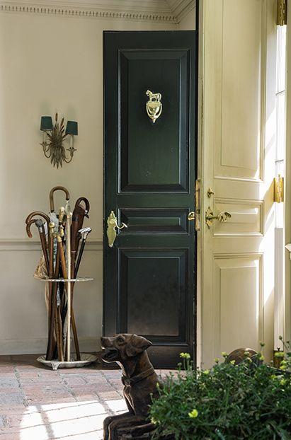 Photo+Credit:+Courtesy+of+Sotheby's.+The+main+house's+entrance+hall.The Bunny Mellon Estate/ Garden and Gun Magazine