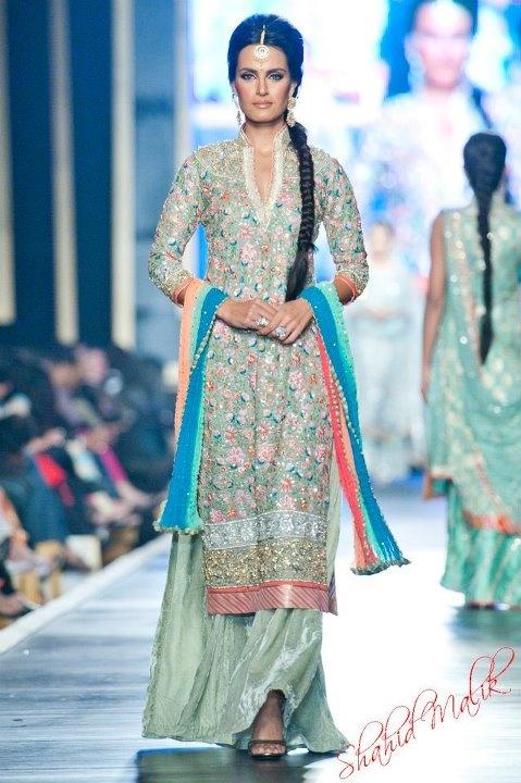 Garara by Nomi Ansari http://www.nomiansari.ws/ 2012 #Pakistan #Couture