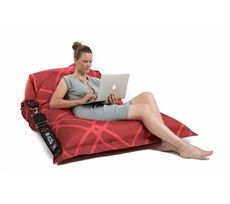 FAHIONit bean bag is not just comfortable, convenient and high-quality as the other chairs from SACKit, but also a unique style