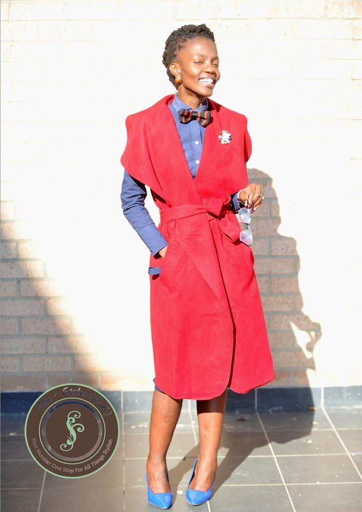 SheStylesandKhelinahAccessories#WinterFashion#Navy&red#SleevelessOversizedCollarCoat#BowTie#BroochLady#SouthAfricanFashion