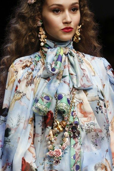 See the full Spring 2018 collection from Dolce & Gabbana.