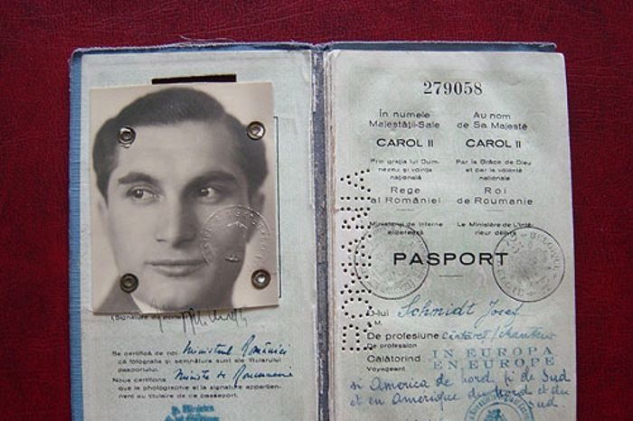 Photo: Joseph Schmidt's passport issued in Romania. As Romania was occupied by the Nazis it is surprising that there is no 'J' (for Jewish) stamped in it. (photgrapher: Markus Griesser, image courtesy of: Alfred Fassbind, Joseph Schmidt Archive, Switzerland)