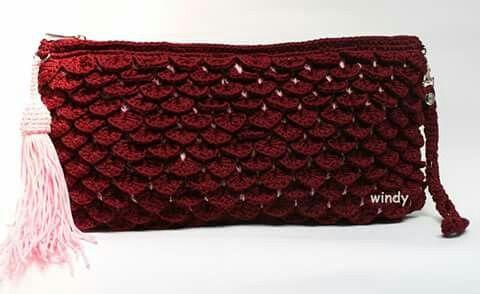 Crocodile stitch clutch
