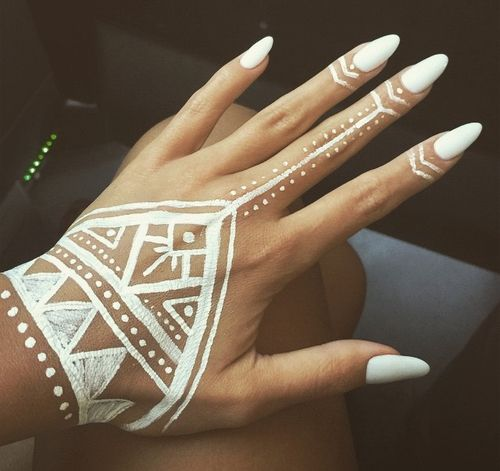 Simple Henna Tattoo On Hand: Easy Hand Henna - Google Search