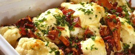 Grateng med blomkål, sopp, bacon og ost