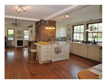 Find This Home On Built In 1680 In Bristol Ri Interior Design Kitchens