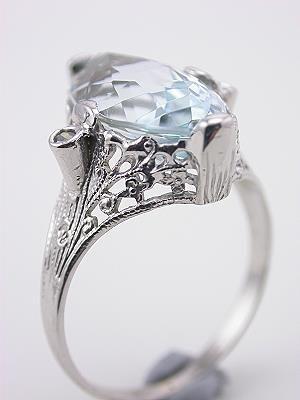 1930s Aquamarine and Filigree Cocktail Ring----->engagement ring.