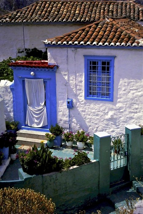 Architecture of Hydra island