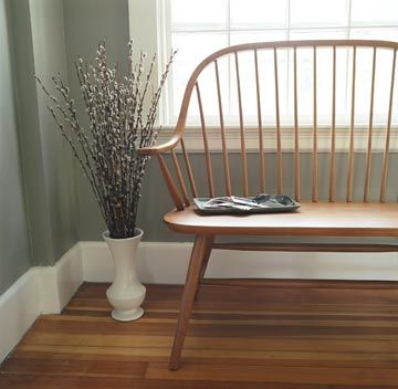 I love shaker furniture and this photo is one of my favorites. Shaker Settee from ShakerStyle.com