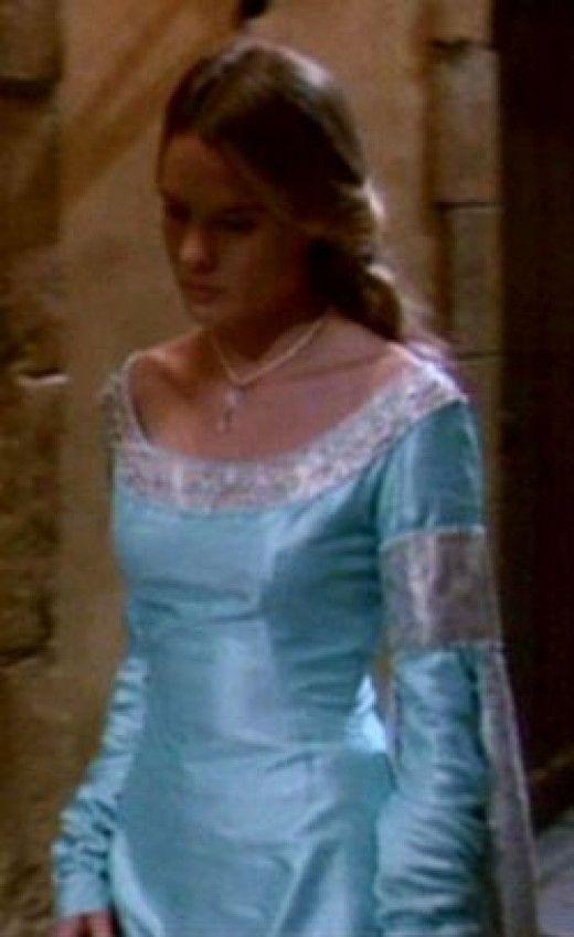 1065 best medieval dresses images on Pinterest | Fashion plates ...