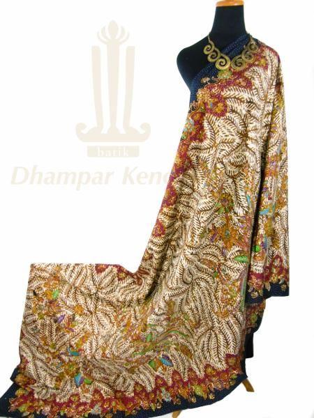 IDR. 1.150k | Kain Batik Tulis Warna | Motif Wit Klopo | Ukuran kain: 2,50m X 1,05m | Kode: 056  | Note: Harga item tidak termasuk kalung yang tertera pada gambar.  | #batik #dhamparkencono #batiktulis #java #indonesia #sale #boutique