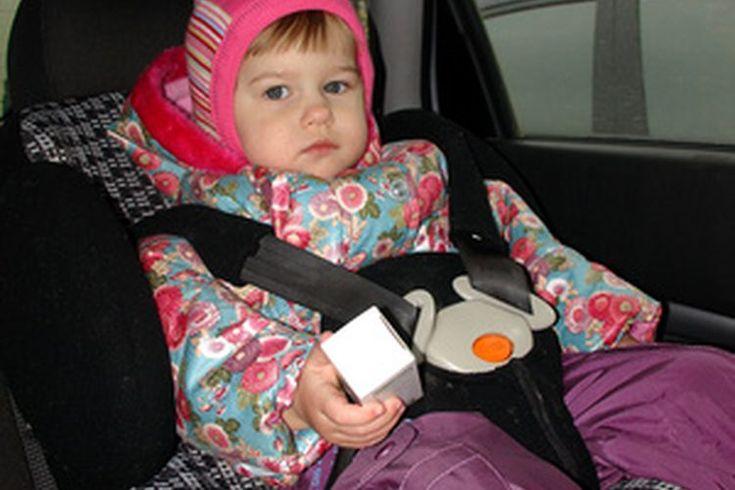 Restricciones de altura y peso de los asientos para niños. Aunque la principal causa de muerte en niños siguen siendo las lesiones en auto, el uso adecuado de los dispositivos de retención infantil, como los asientos, aumenta significativamente las posibilidades de que un niño sobreviva a un ...