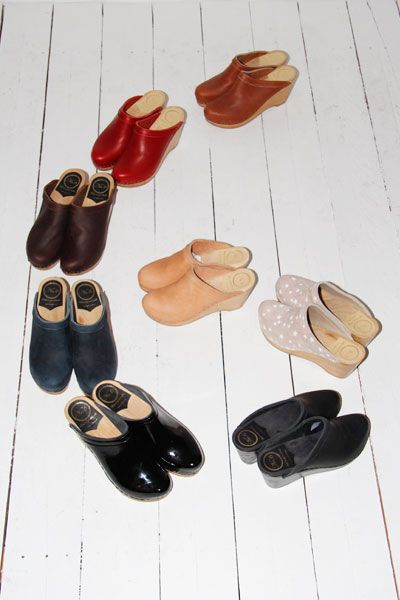 no. 6 clogs, in natural please ;)