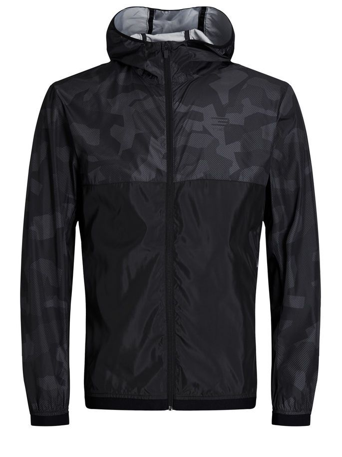 Lightweight jacket with camo-like print. Water-repellent, and great option for running and training   JACK & JONES #athleisure #training #gear #sports #look