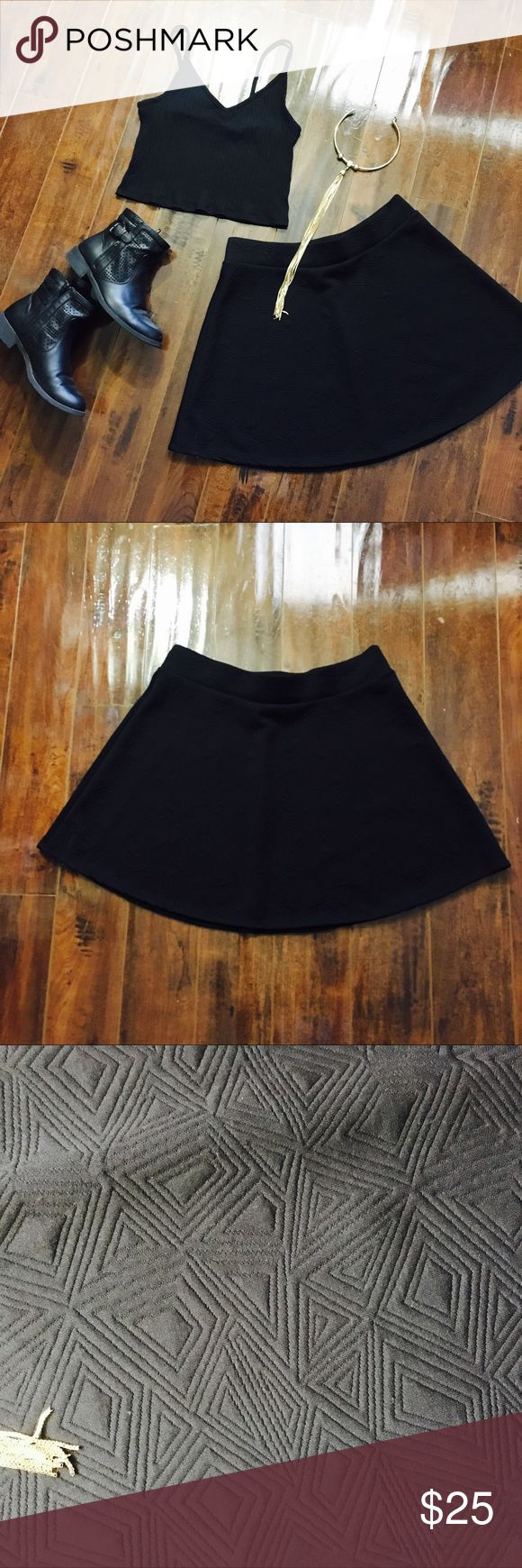 ⭐️ Stoosh Black Circle Skirt Brand New//Perfect Condition Flowy fit Details: Tribal Print Measurements: 34 in. (waist) 18 in. (length) Discounted bundles are available  Only reasonable offers are accepted.  Instagram: @ashaxrose Stoosh Skirts Circle & Skater