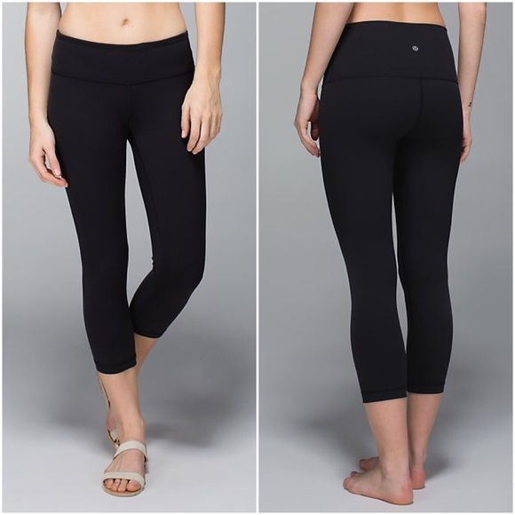 Cropped lulu lemon leggings Size 2 cropped lulu lemon leggings for sale! BNWT selling for under retail! (Retail $92) got as a gift and don't want these are authentic lulus lululemon athletica Pants Ankle & Cropped